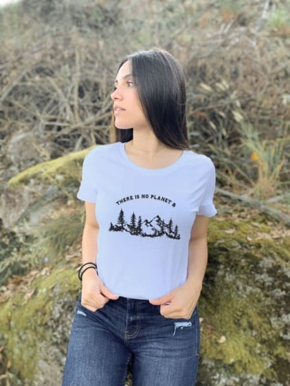 camisetas-ecologistas-there-is-no-planet-b-mujer-blanco