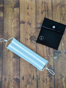 Mascarilla reutilizable algodon organico rayas azules y blancas