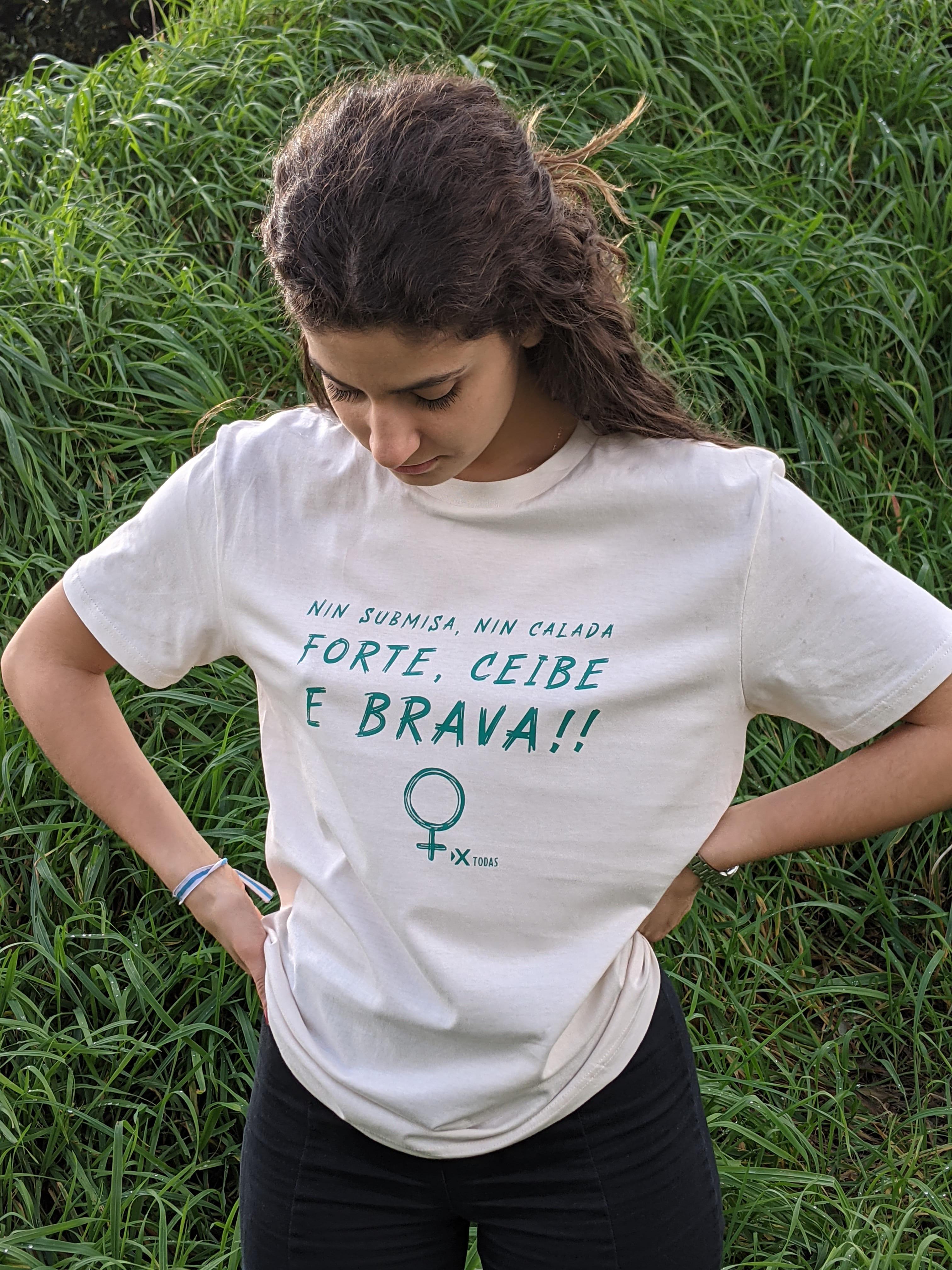 camiseta solidaria feminista